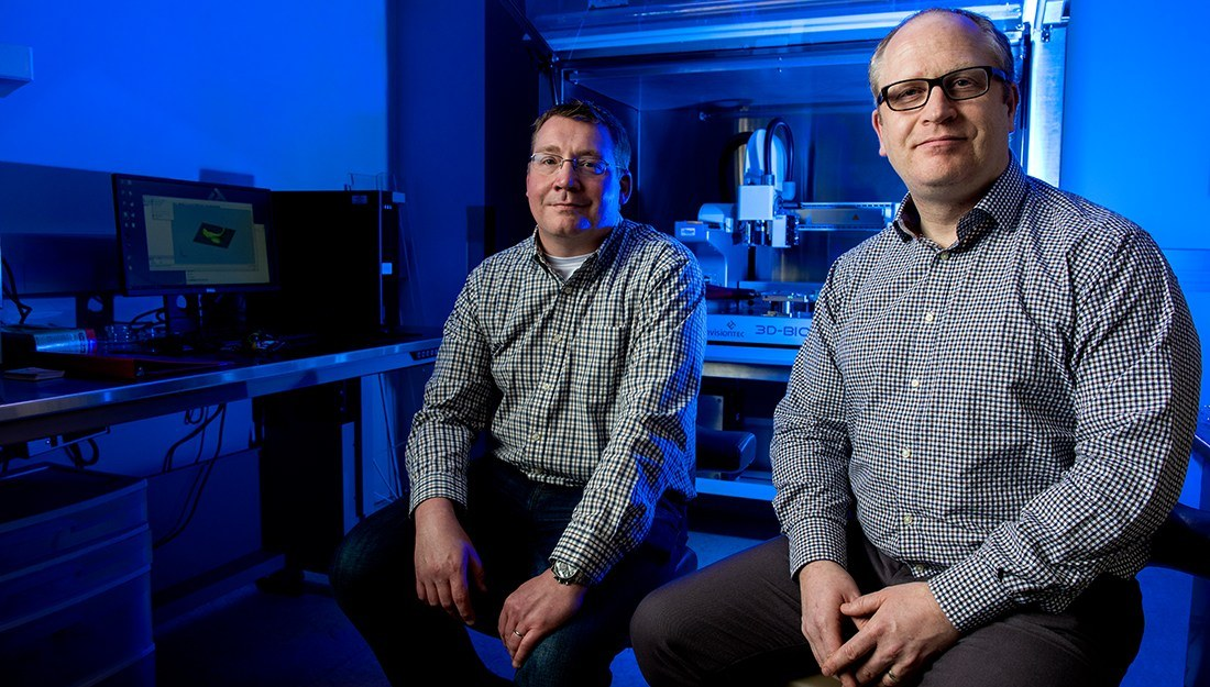 Biomedical researchers Carl Gregory (left) and Roland Kaunas (right) in the medical and engineering fields are coming together to move a bone-healing technology forward. (Texas A&M University Health Science Center)