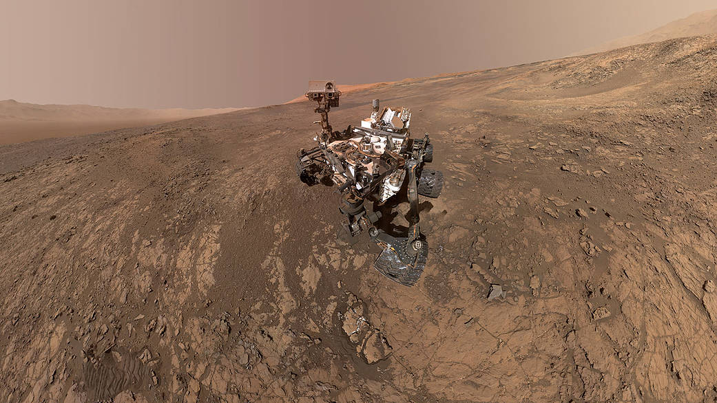This self-portrait of NASA's Curiosity Mars rover shows the vehicle on Vera Rubin Ridge. (NASA)